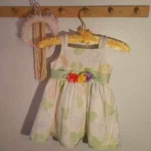 Youngland Size 3T Green White Flowered Sun Dress
